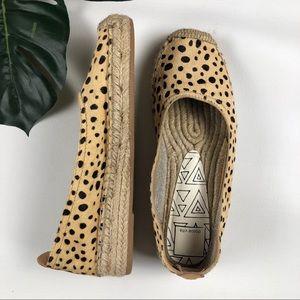 Dolce Vita Taya Leopard Calf Hair Flats Size 6